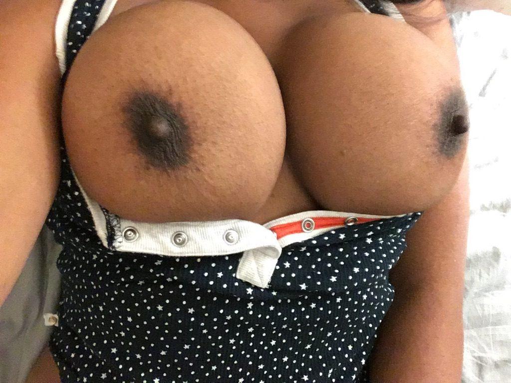 bröst svart naken