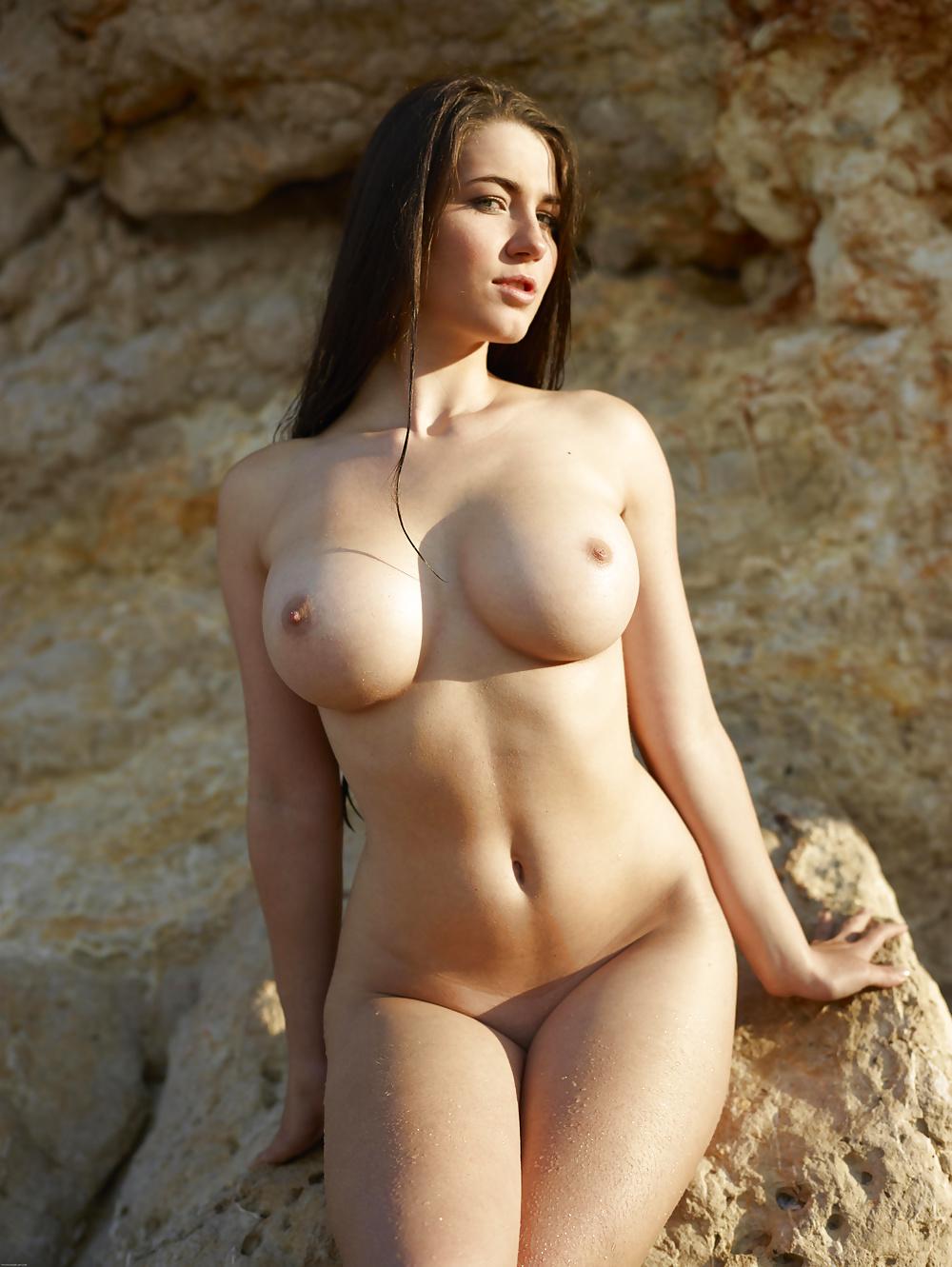 nakna bröst vackra