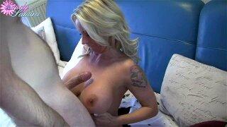 bröst naija enorma