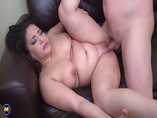 mamma knubbig sex